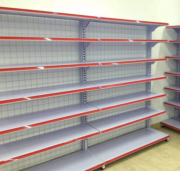 Kệ siêu thị là gì? kệ lưng lưới